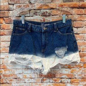 Women's High Rise Shorts. Size 9